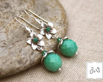 Dark emerald green pierced earrings, sterling silver, Crystal Rhinestones, glass beads hooks / Wiosna