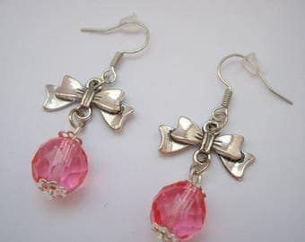 Nodes and faceted clear pink beads earrings