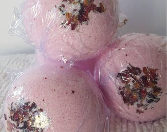 Rose Quartz Rose Scented Bath Bomb Fizzy