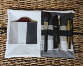 Pouch / clutch in faux leather to store makeup
