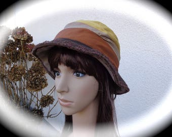 Hat from designer fleece woman Brown and camel