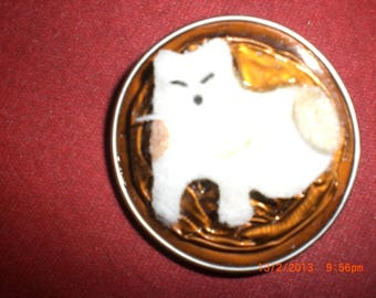 "Brooch ""white cat tail"""
