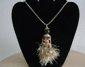 "Long necklace ""Doll Africa"""