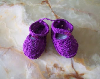 baby booties baby sandal collar shape. Violet