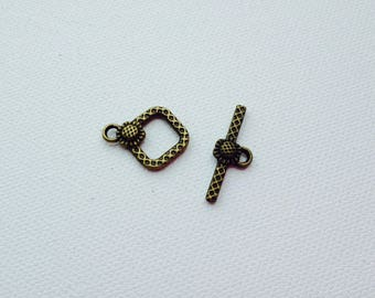 Bronze color flower toggle clasp