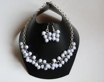 NECKLACE and EARRINGS beads white MARBREES on silver METAL chain