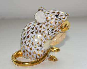 Herend Mouse Holding Egg