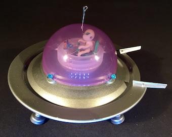 Alien ufo sculpture art