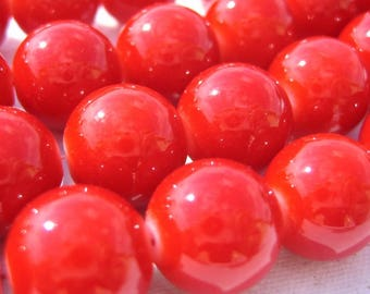 10 Red 14 mm round glass beads
