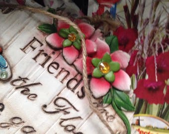 Gift planter with bulbs, gloves, and planting calendar.