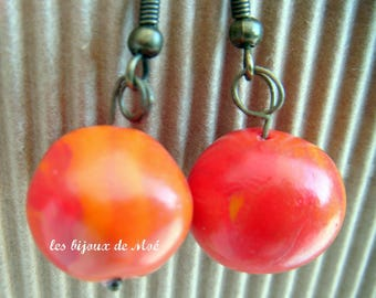 Red marbled earrings in polymer BO1129
