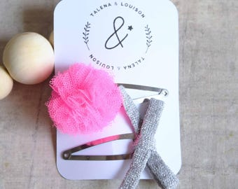 Set of two hair clips: Click Clack tassel fluo pink and Silver Bow