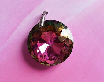 Large round pendant with multicolored facets of 45mm in diameter