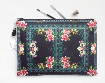 Gifts for her, Border print inspiration, pocket bag, travel bag, cosmetic bag, zip bag, make up bag, cosmetic pouch.