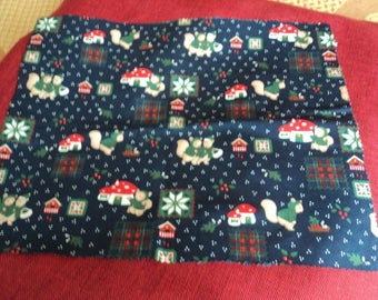 a set of 4 placemats Christmas Decor