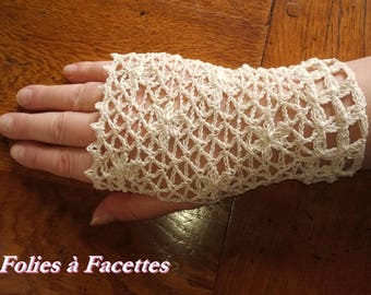 Lace fingerless gloves ivory cotton crocheted flowers scattered