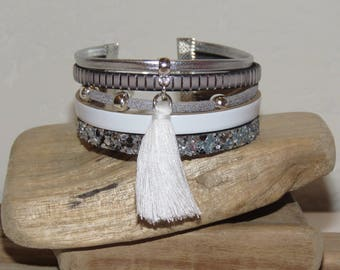 """""""White tassel"""" Cuff Bracelet leather, glitter, silver, white and grey suede"""