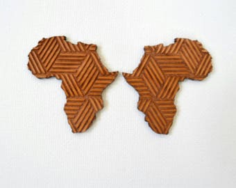 Wooden Africa Stud Earrings with Pattern