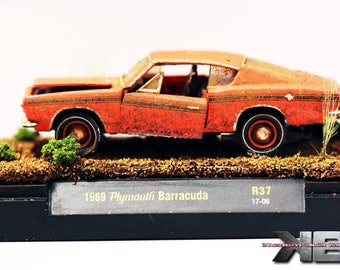 1:64 Scale Barn Find Diorama