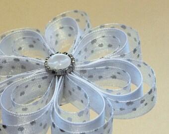 White kanzashi flower for hair (ERB) pin set