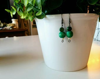 I'm Aiming To Be A Zen Master - green and pearl earrings - boucles d'oreilles vertes et avec une perle