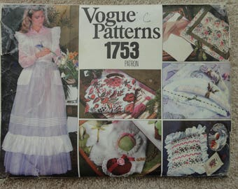 Vogue pattern 1753 Misses Apron and gift items ( 48 pieces)