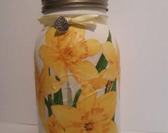 Daffodil: vase, centerpiece,potpourri jar