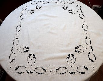 "Beautiful Vintage Ecru Linen Cutwork and Embroidery Tablecloth and 6 Napkins Set 50"" x 66"""