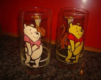 Vintage Winnie the Pooh and Tigger Set of 2  Glasses - Walt Disney.