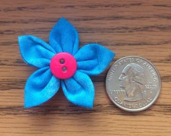 Medium sized flower magnet