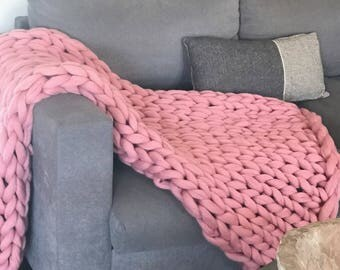 30% off. Super chunky Merino wool blanket roving felt top special price