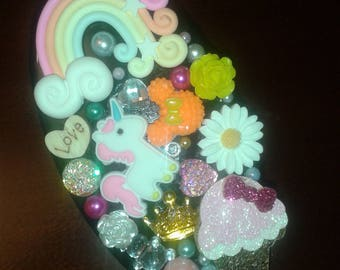 Unicorn & Rainbows Decorative Jog 101 Hairbrush