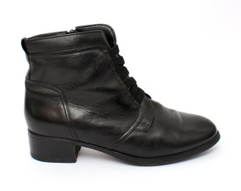 EU 39 - Black leather ankle boots womens size UK 6 / US 8,5 - 1990s vintage shoes for women - 90s black granny boots gothic zipper booties