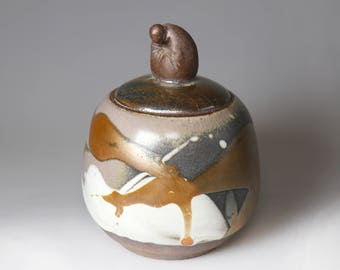 Chinese Monk- Glost-fired Earthen Tea Caddy;Handmade;Taiwanese caddy;Japanese style;Ceramicware;Unique gifts;Ceramic pottery;Multi-colour