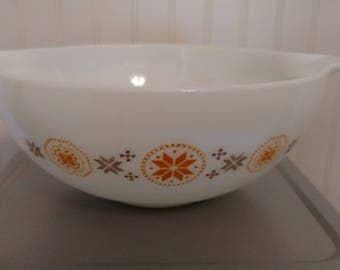 Pyrex #4444 4qt Town & Country mixing bowl