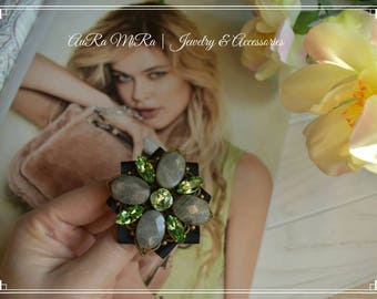Handmade Brooch with Labradorite and Swarovski crystals