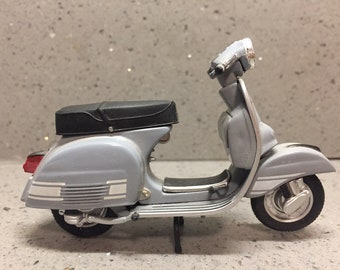 Diecast Toy Vespa Rally 200, Made in China