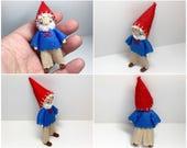Gnome bandé Doll - Woodland Gnome Waldorf Doll - Nature tableau - feutre Waldorf pliables Tomte - petit jeu Figure, Nisse