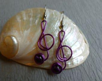 PURPLE MUSIC NOTE Earrings treble clef wirework