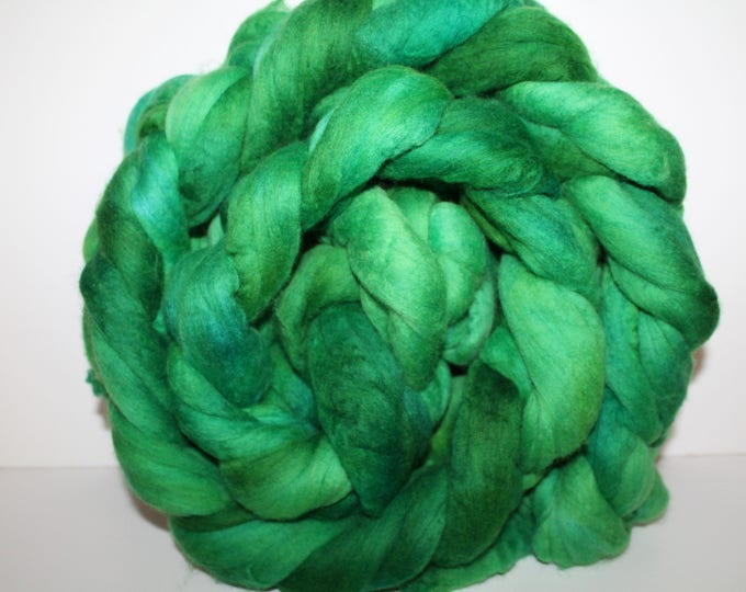 Kettle Dyed Merino Wool Top. Super fine. 19 micron  Soft and easy to spin. Huge 1lb Braid. Spin. Felt. Roving. M344