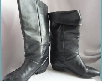 Vintage 80s PIXIE Slouch Boots / Black Leather size 7  M  Eur 37.5 UK 4 .5 / Boho Pirate Knee Cuff Boot Flat Heel / made in Argentina