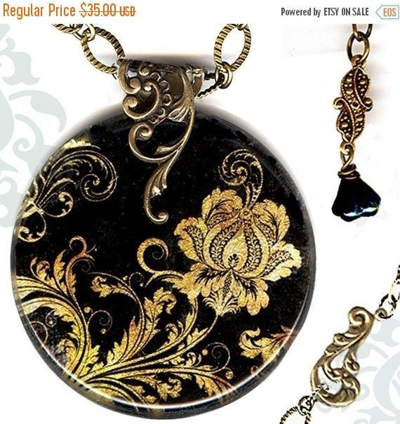 Ebony Elegance Necklace - Voyageur SHIMMERZ - The Alhambra Collection - Metallic Gold Jacobean Paisley
