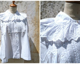 Vintage  French Edwardian/Victorian 1900 white cotton hand embroidered blouse ruffled collar size S/M/L