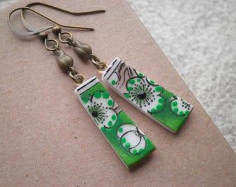 Vintage White Flower China Dangle Earrings - Asian Apple Blossom Pattern Retro China Broken Plate Dangles. Broken China Jewelry Gift For Her