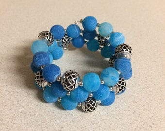 Aqua blue agate memory wire bracelet - silver accent beads