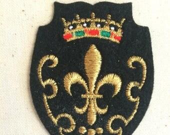 Vintage Souvenir European Travel Patch Badge Applique fleur-de-lis PARIS France