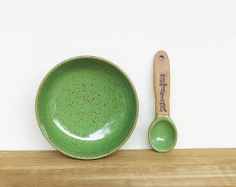Handmade Ceramic Spoon and Salt Cellar Set in Bright Spring Green Glaze, STIR Spoon, Condiment Bowl and Spoon Set, Rustic Pottery