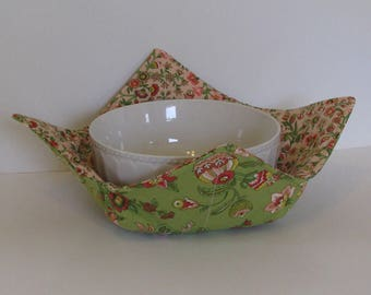 Microwave Fabric Bowl, Fabric Food Warming Bowl,  Ice Cream Bowl ,Green and Peach Jacobean ,Hostess Gift, Kitchen Gift