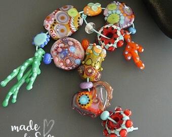 Handmade lampwork beads  l  free-formed - lentil-shaped   l  Orphans Destash Leftovers  l SRA l  glass set l made by Silke Buechler