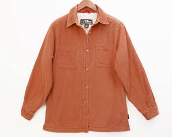 vintage FLEECE lined shirt jacket // Woolrich corduroy women's shirt // camp shirt // cozy and soft // size S